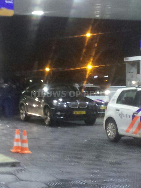 Drietal aangehouden na aantreffen vuurwapen in auto Hendrik-Ido-Ambacht