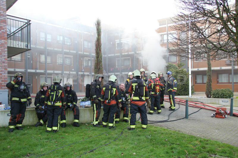 Woningen (41) appartementencomplex onbewoonbaar na grote brand Spoorstraat Schoonhoven
