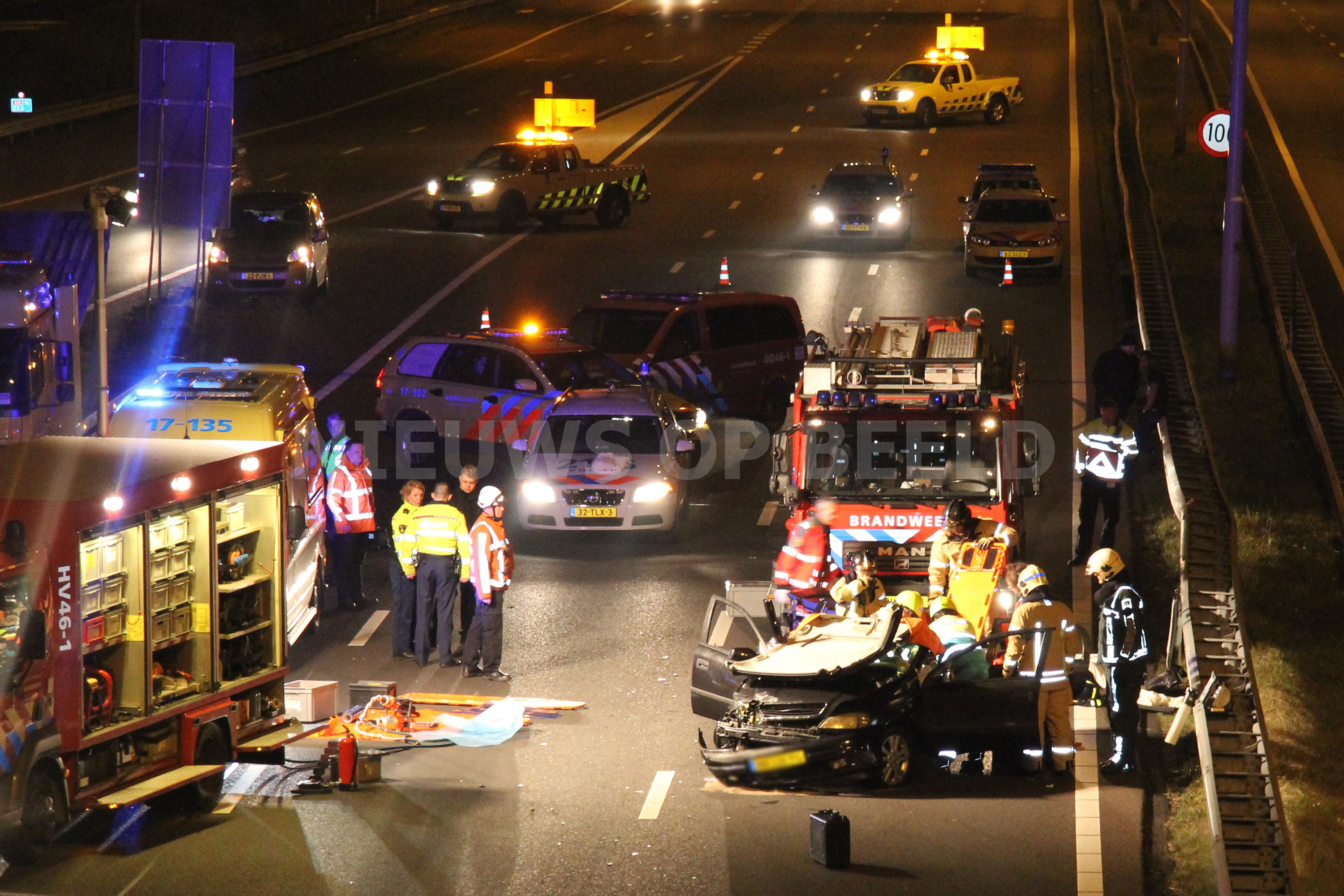 Beknelling na ongeval op A16 Rotterdam [VIDEO]
