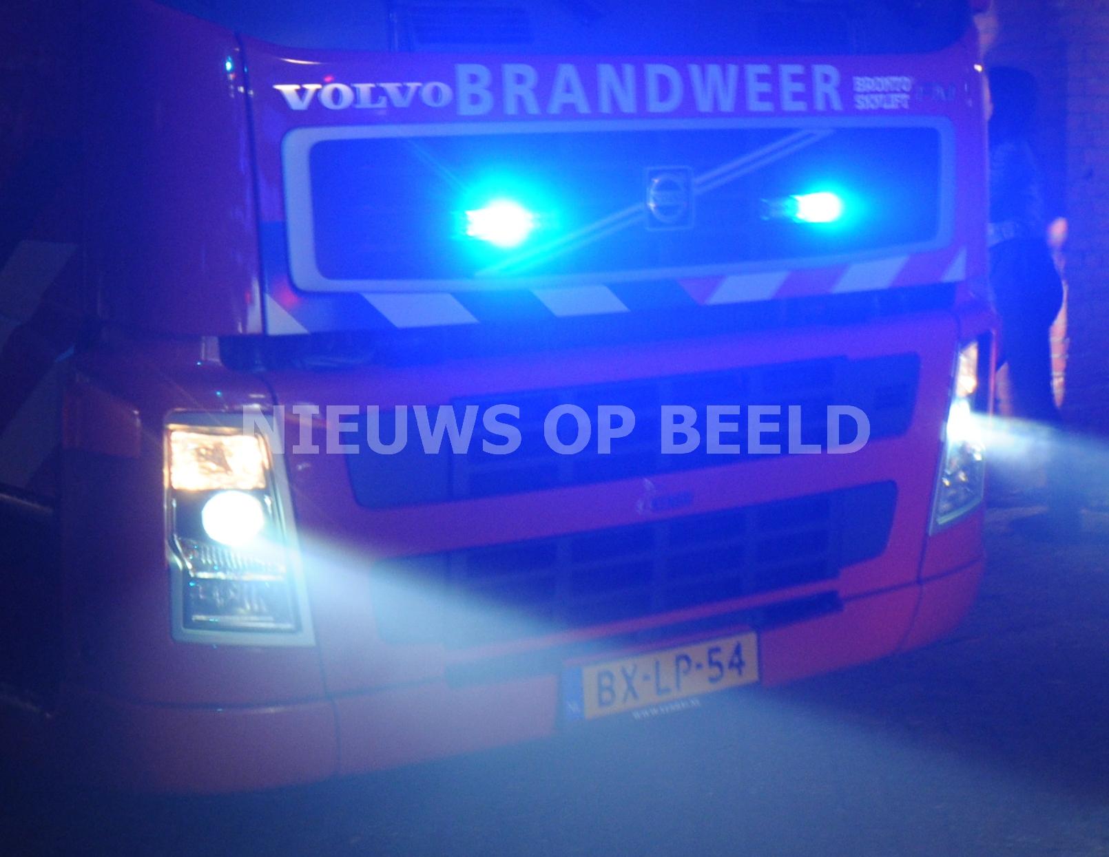 Autobrand slaat over naar woningen Levanger Leerdam