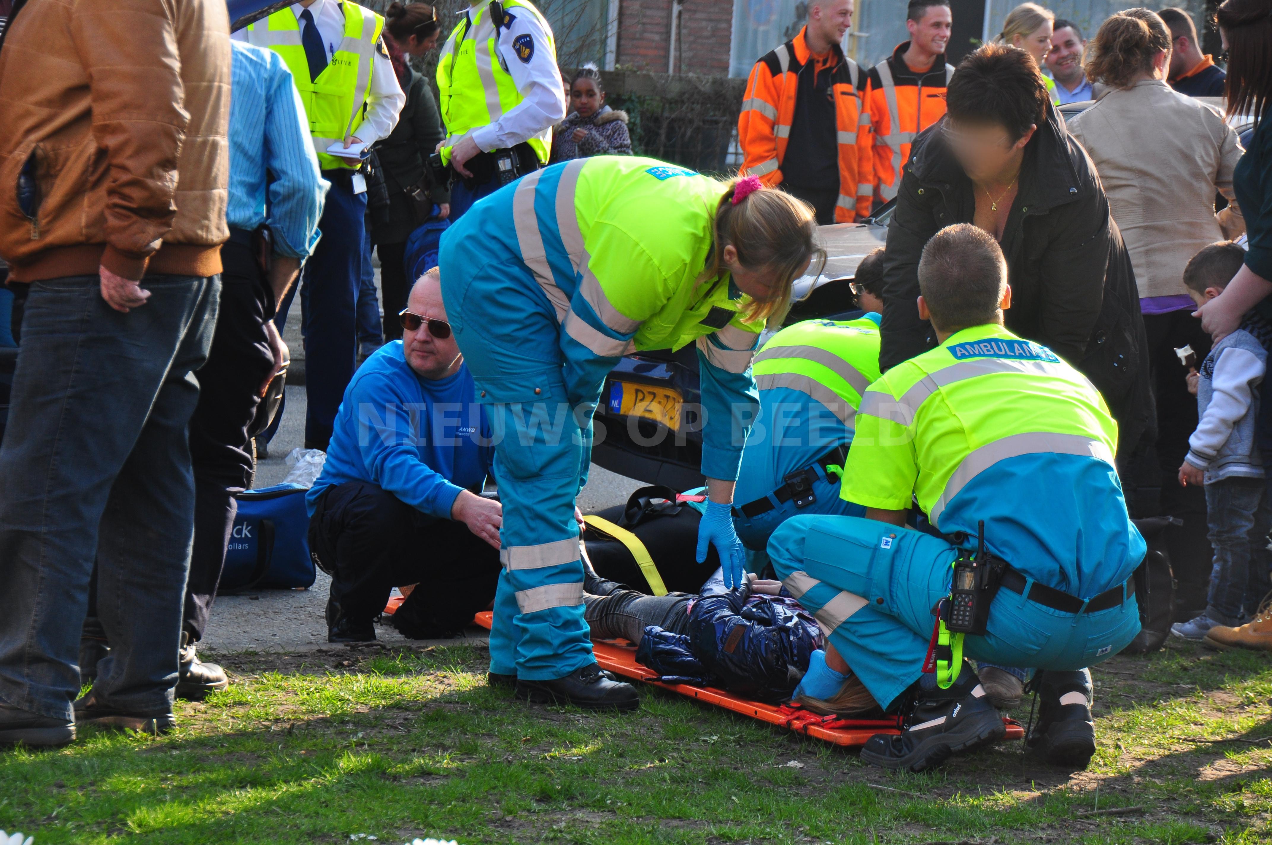 Vrouw en twee kinderen gewond na aanrijding Slinge Rotterdam