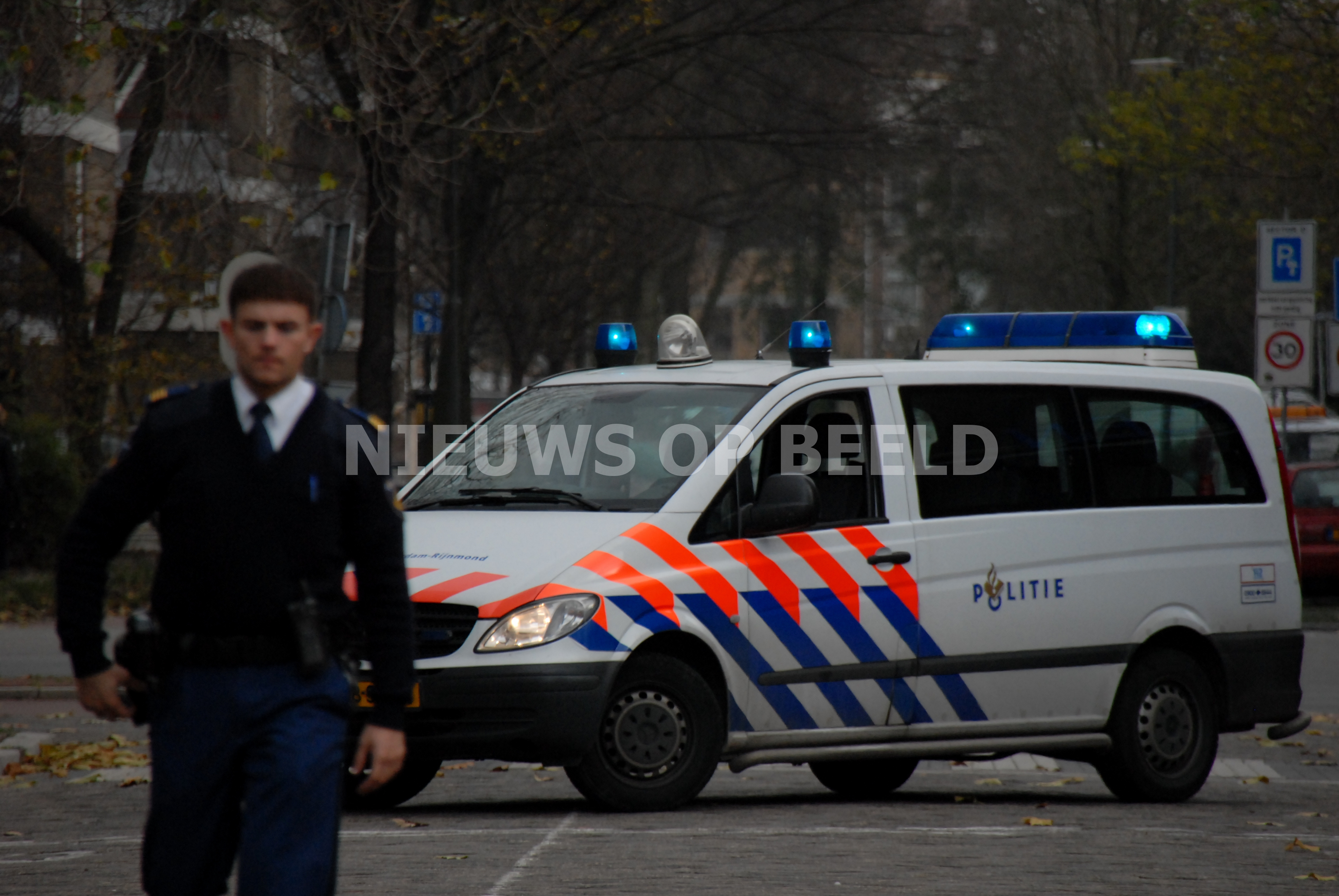 Man lichtgewond bij woningoverval Zevenkampsering Rotterdam