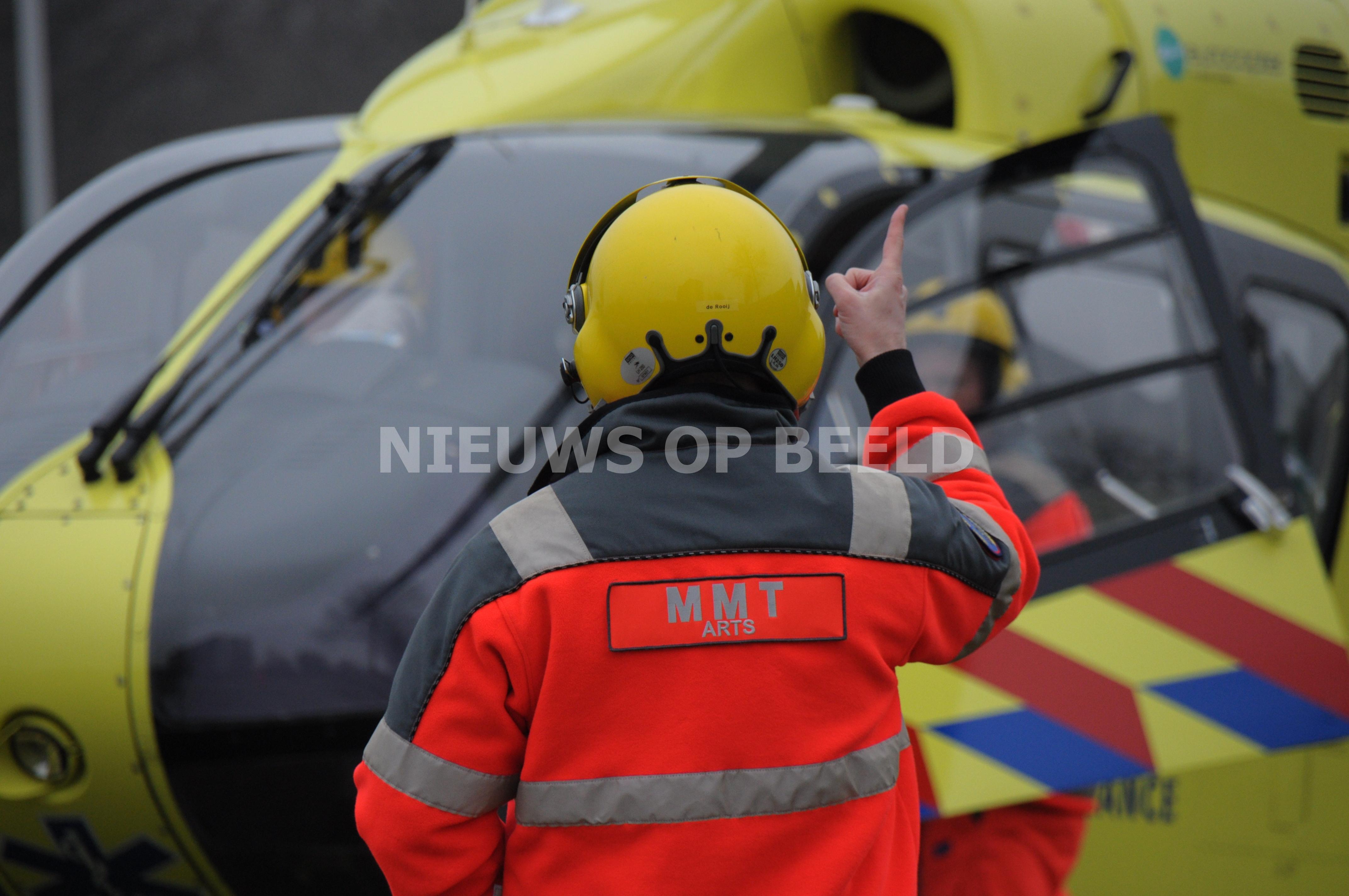 Meerdere gewonden na vrijkomen giftige stoffen op schip Bomar Mercury Oude Maasweg Rotterdam