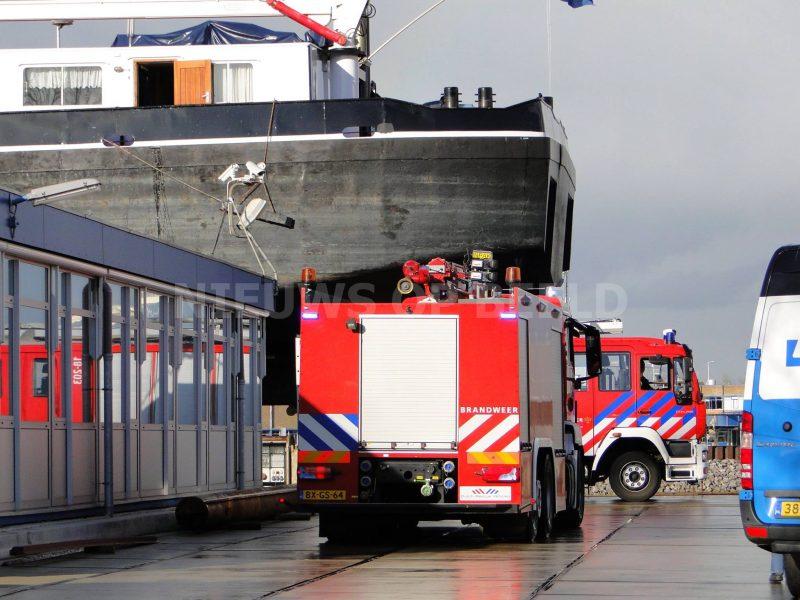 dordrecht-zinkend-schip