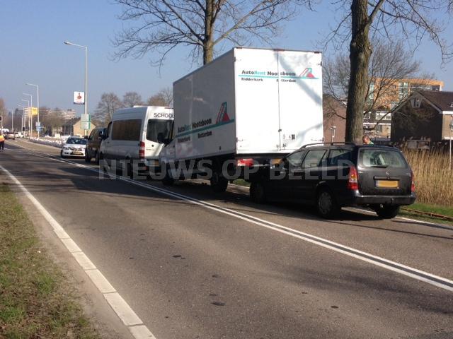 Lichtgewonde na ongeval met drie voertuigen Capelle aan den IJssel