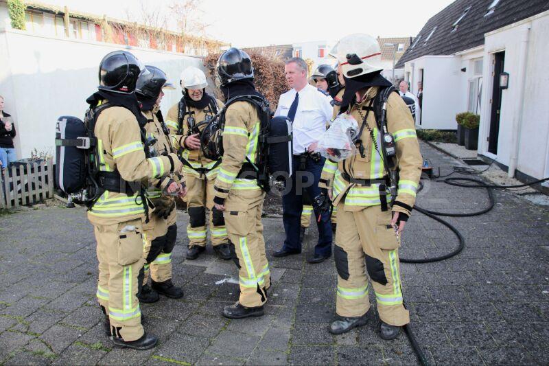 Computer veroorzaakt brand op zolderverdieping woning Mandenmakerhof Schiedam