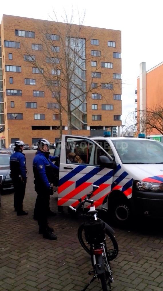 Man verzet zich hevig bij aanhouding na controle Sperwerhof Capelle aan den IJssel