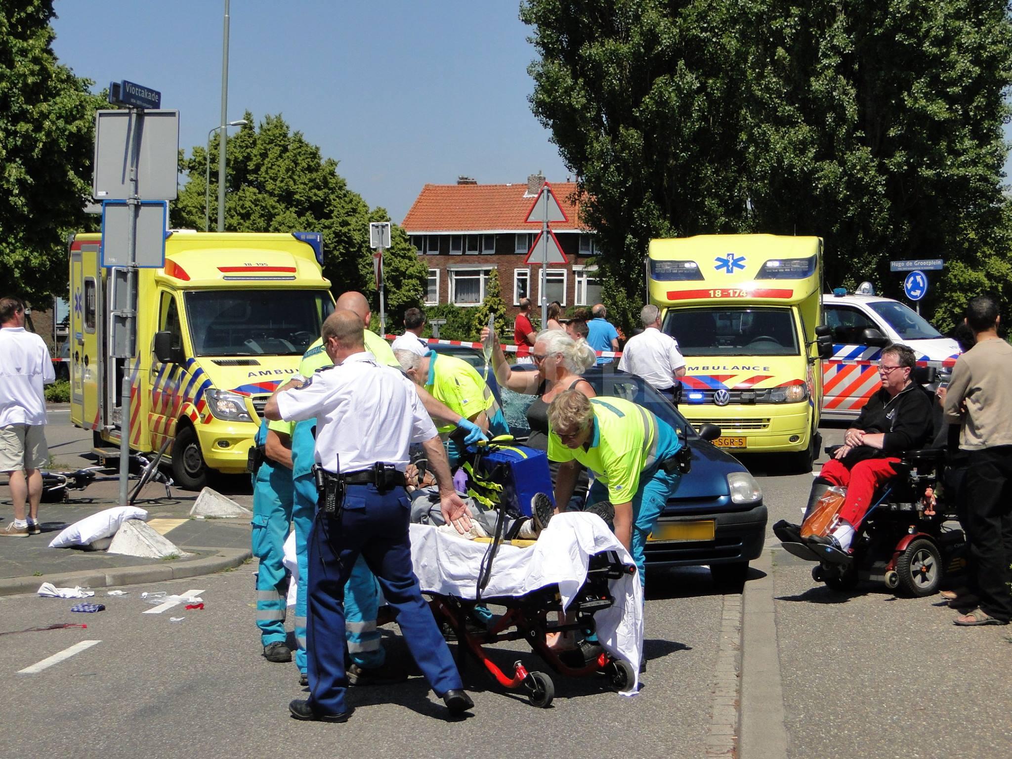 Man zwaargewond na ongeval met fiets Hugo de Grootlaan Dordrecht