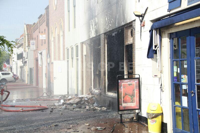 Grote uitslaande brand in restaurant Turfkade Brielle