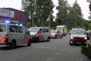 Verwarde man gaat ambulancepersoneel te lijf en vlucht dansschool in Kromhoutstraat Rotterdam [VIDEO]