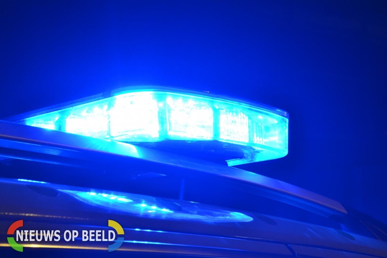 Vrouw gewond na auto te water door ongeval N57 Ouddorp