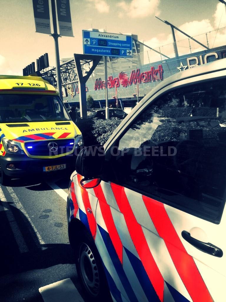 Alerte getuige grijpt inbreker vanaf Pegasusweg in winkelcentrum Alexandrium Rotterdam