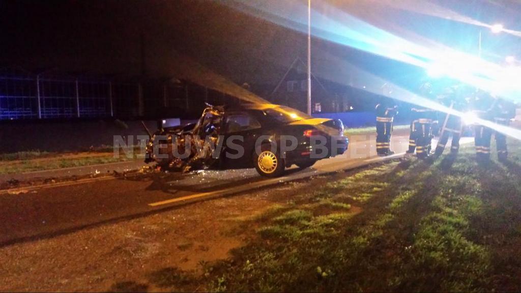 Aanrijding auto vs bus op de Naaldwijkseweg