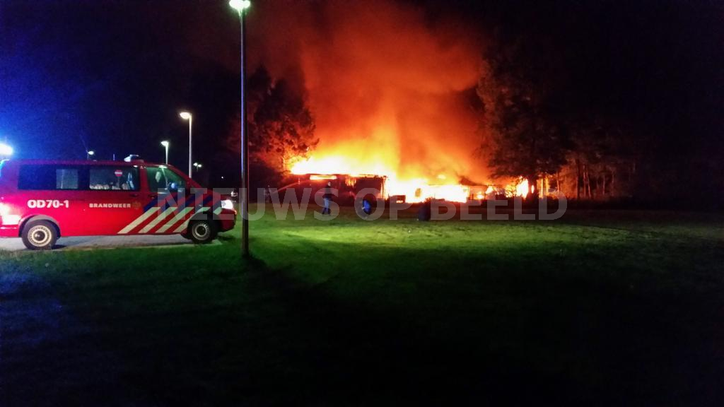 "Grote brand in loods stichting ""Zuidwester"" Oosthavendijk Middelharnis"