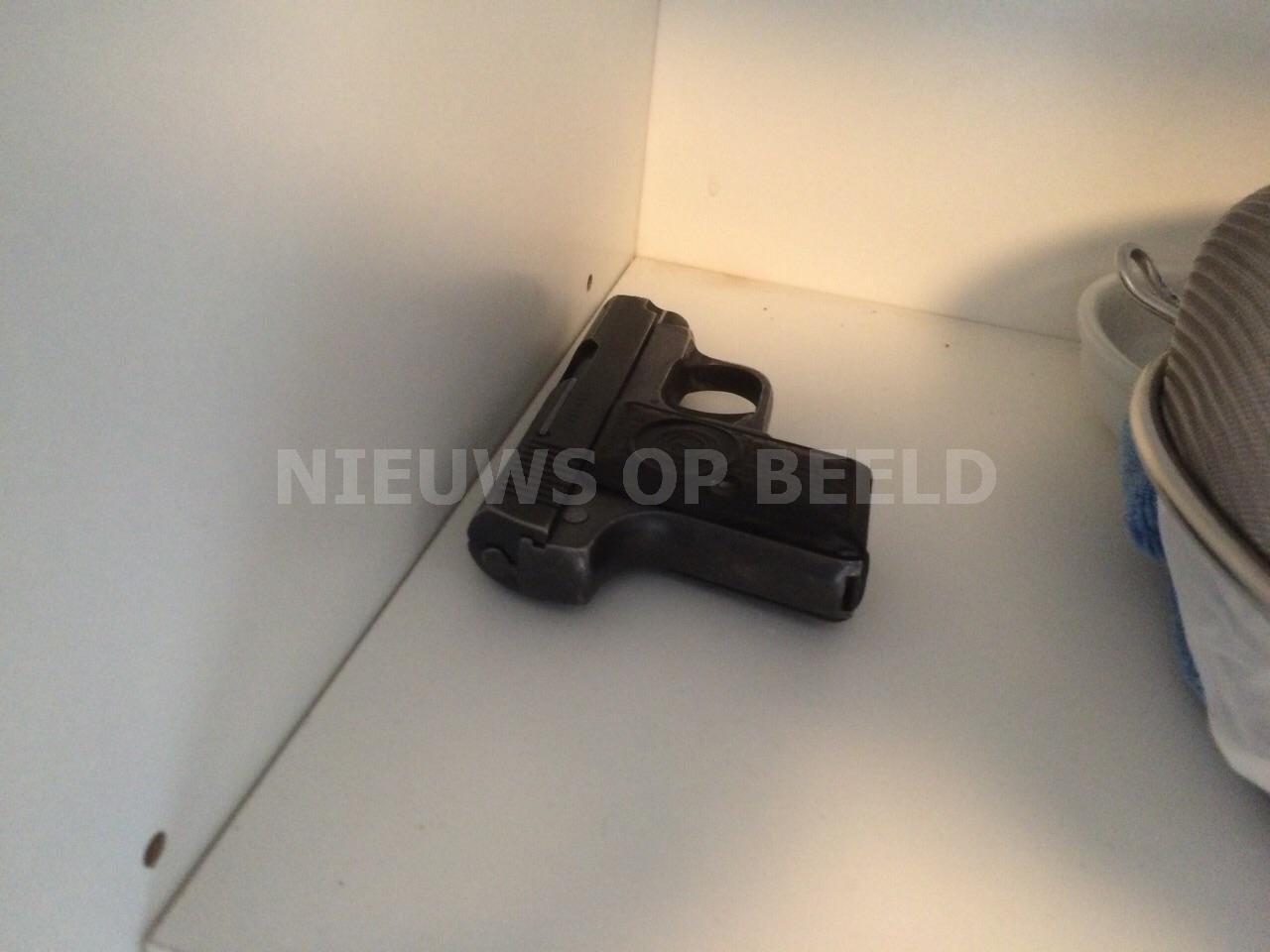 Man bedreigt vriendin met vuurwapen Tilburg