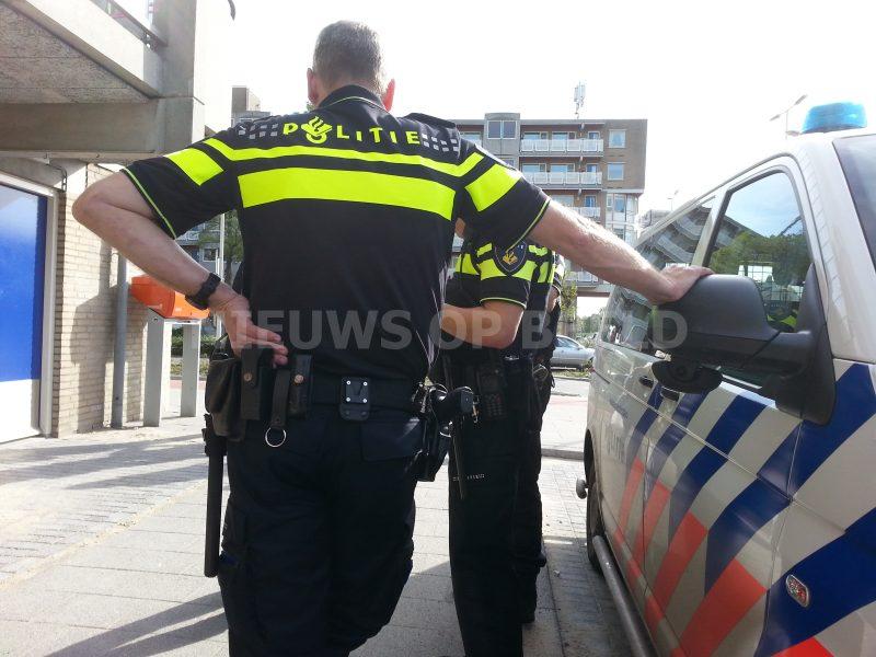 Stockfoto-Joey-Politie-Vuurwapen-DHV-Uniform-Stock-Politie-Sirene