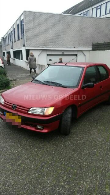 Foutparkerende ouder wenst handhavers de dood toe Bazuin Capelle aan den IJssel