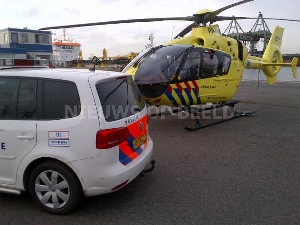 Man overleden na val van 10 meter in ruim schip Maasvlakte Rotterdam