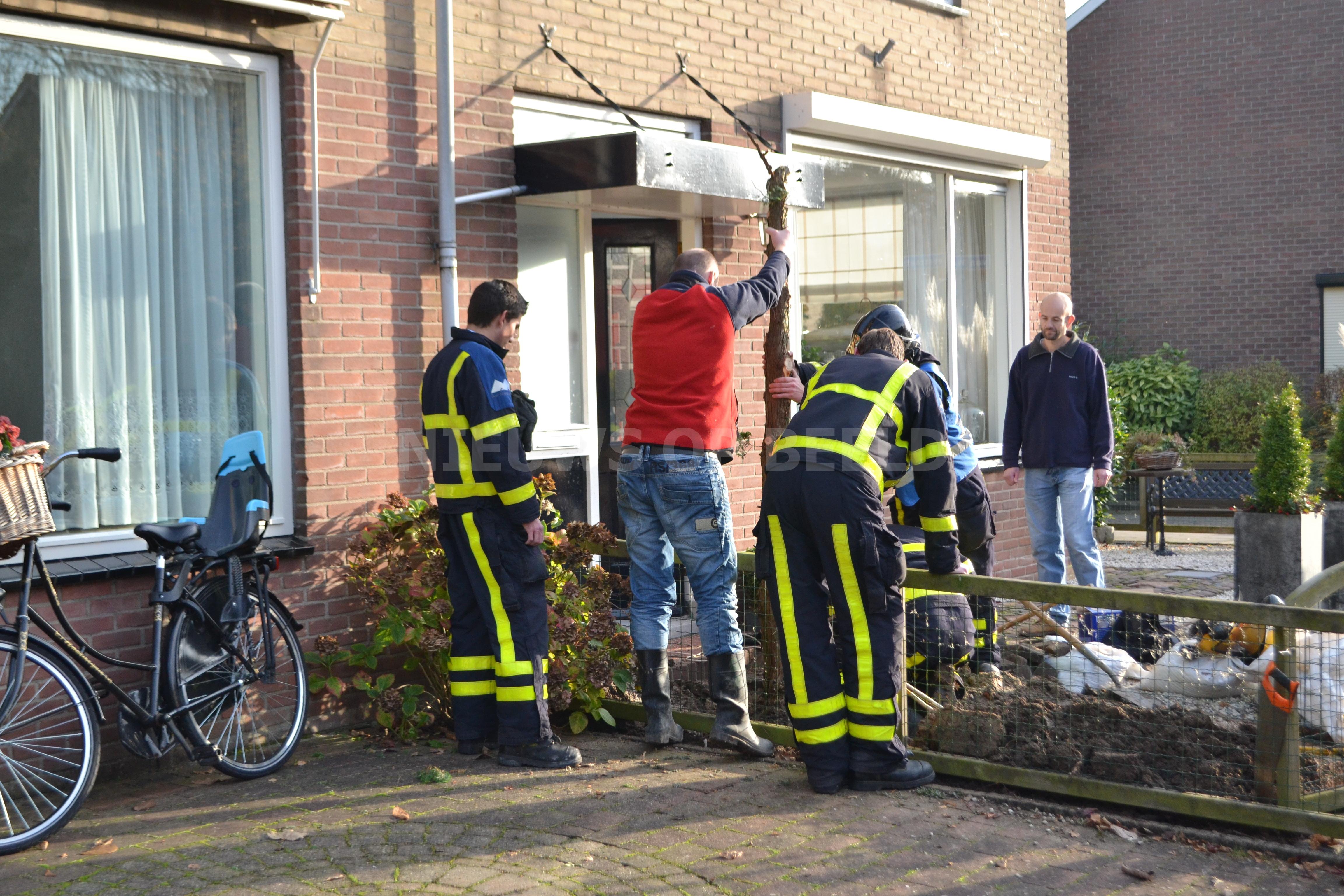 Gaslekkage na verwijderen boompje in tuin Houtmanstraat Oud-Beijerland