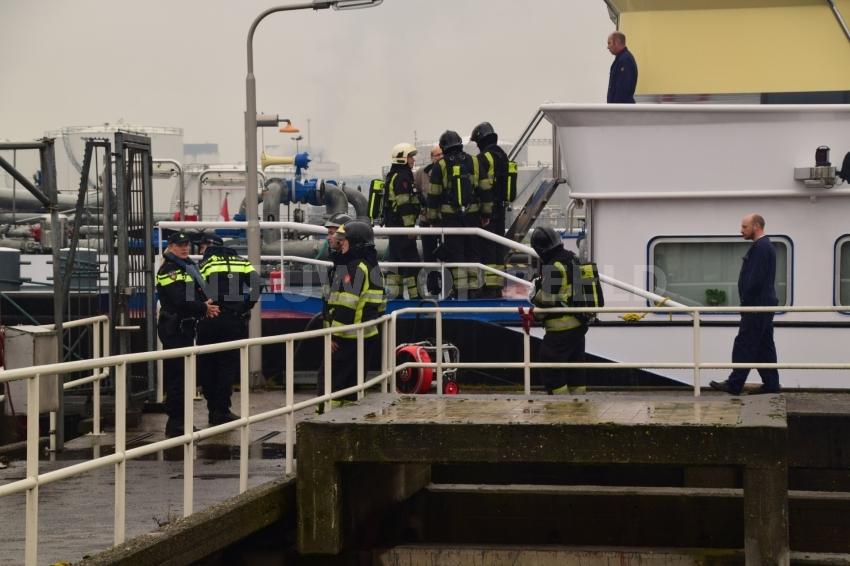 Klein brandje op schip Propaanweg Rotterdam