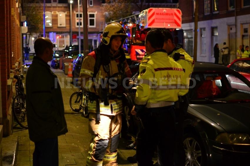 Twee lichtgewonden na brand in keuken 1e Carnissestraat Rotterdam
