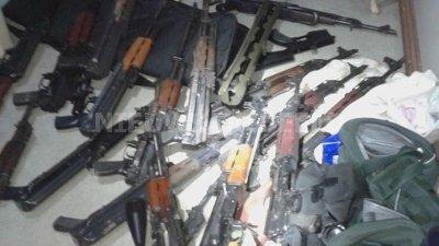 Bizarre vondst vuurwapens en handgranaten in woning Loosdrecht
