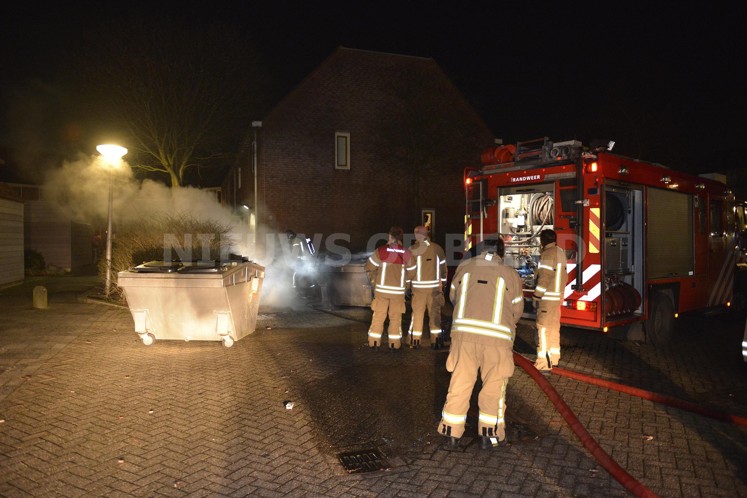 Flinke buitenbrand door in brand gestoken container Arabella Capelle a/d IJssel
