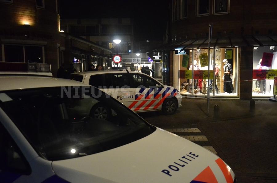 Klopjacht op overvallers Raadhuisplein Lekkerkerk