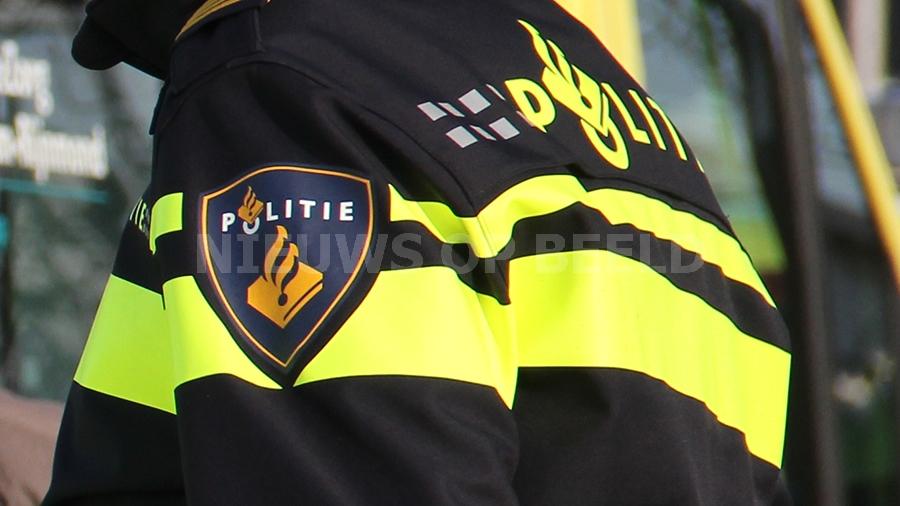 Drie aanhoudingen na vondst hennepdrogerij bij woning aan de President Kennedylaan in Roosendaal