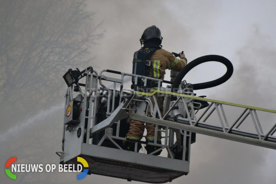 Stockfoto brandweer brand blussen brandweerman