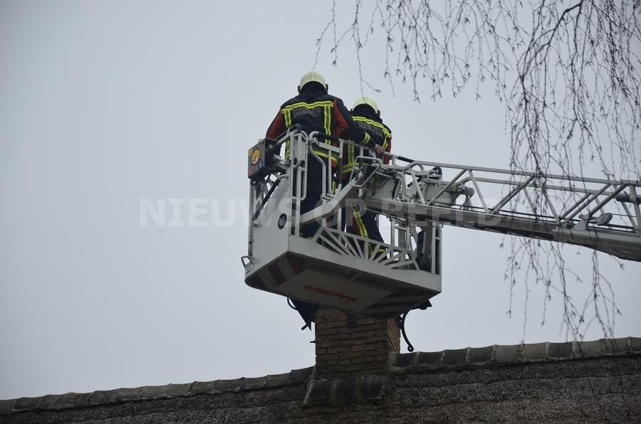 Schoorsteenbrand blijkt mee te vallen door snelle inzet brandweer Beijerscheweg Stolwijk