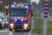 Auto schampt bus; inzittenden naar ziekenhuis op de Leyenbroekerweg in Sittard