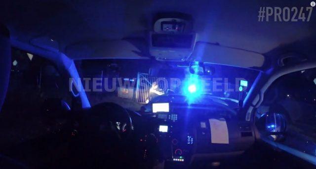 Brandstofdieven rammen politieauto Korte Schenkel Leerbroek - Nieuws op Beeld