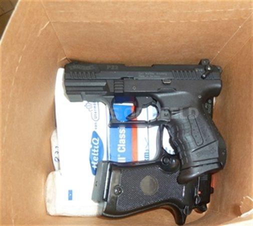 wapens OM illegaal