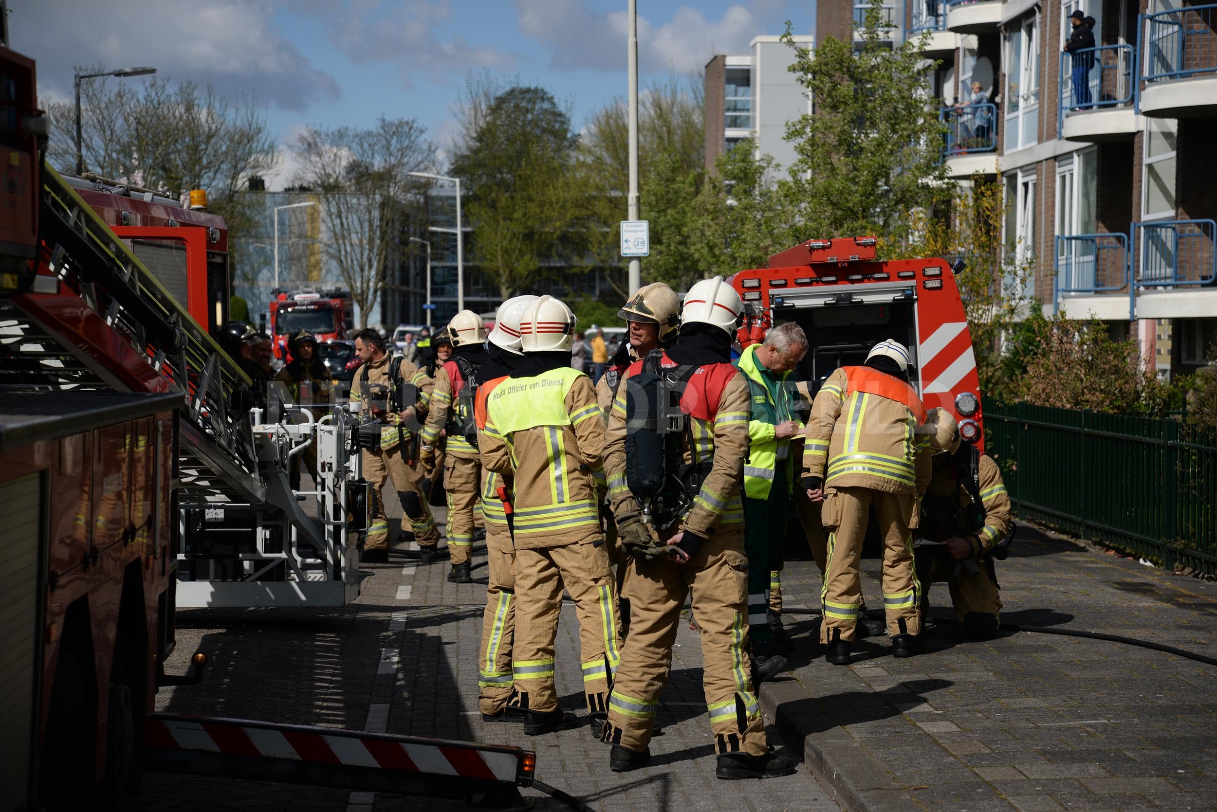Als Auto Salvage >> Drie woningen verwoest door grote brand Schoonveld Rotterdam (video) – Nieuws op Beeld – Altijd ...