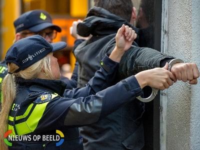 Politie houdt mannen in Tilburg aan na ruzie in woning IJsvogelplein Zwijndrecht