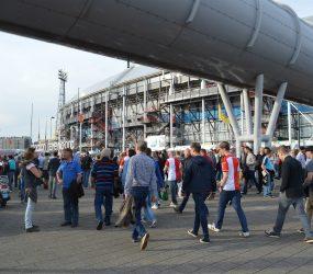 Beelden onbekende supporters van Feyenoord en FC Utrecht mogelijk gepubliceerd Rotterdam