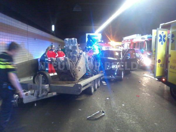 Heinenoordtunnel A29 afgesloten na ongeval met meerdere voertuigen