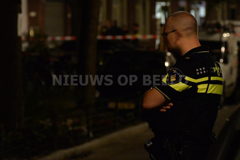 Politie onderzoekt schietpartij met machinegeweren Cronesteinstraat Rotterdam