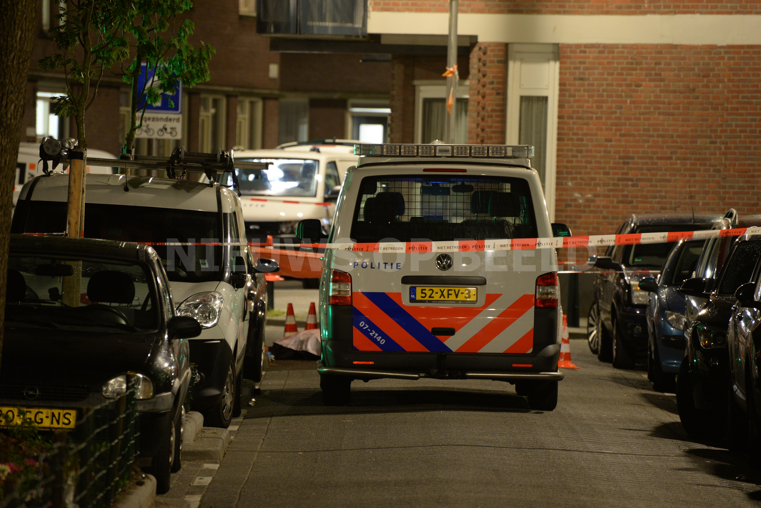 Man met schotwond meldt zich in ziekenhuis na fataal schietincident Essenburgstraat Rotterdam