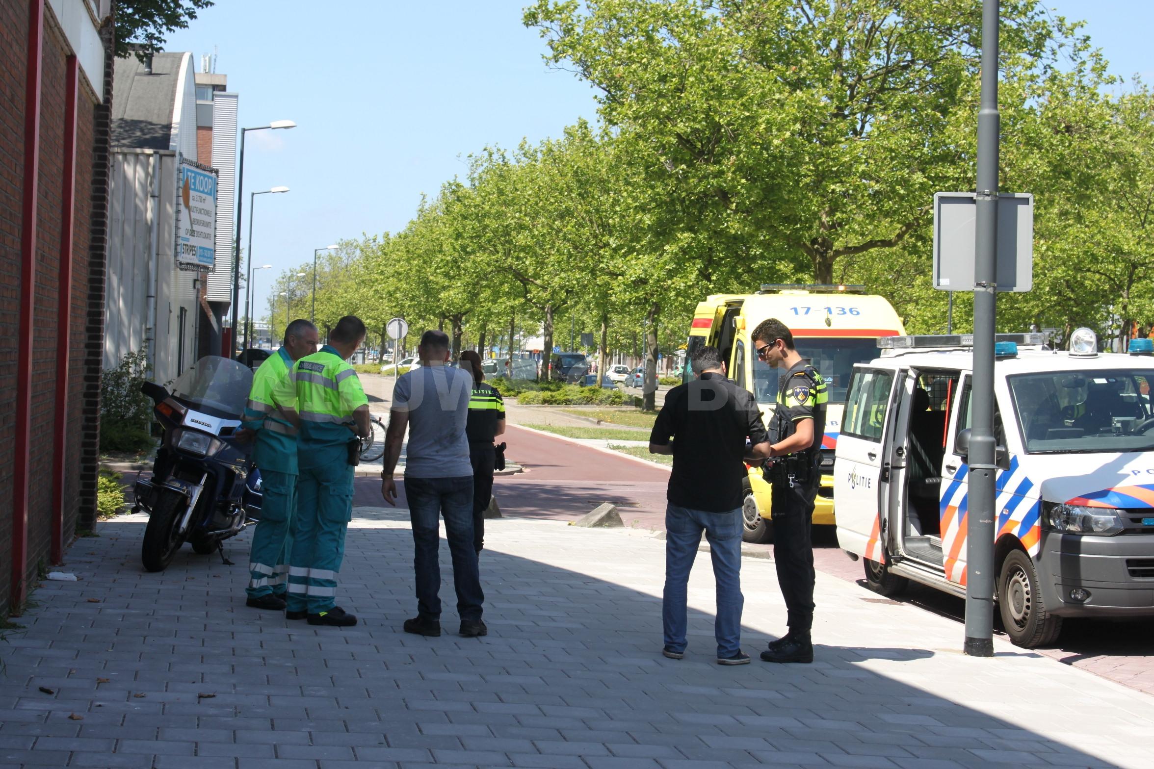 Aanrijding tussen auto en motor 's-Gravelandseweg Schiedam