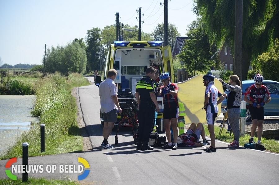 Wielrenner komt ten val op de Bilwijkerweg in Stolwijk