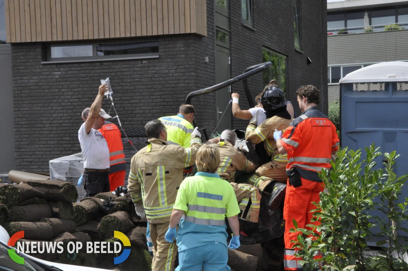 Man bekneld tussen graafmachine tijdens werkzaamheden Kornelis van Tollaan Rotterdam