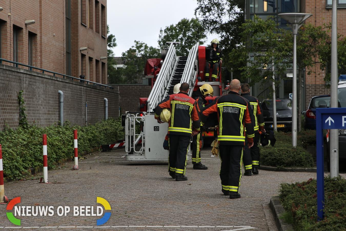 Stormschade bij hoofdbureau politie Elisabethhof Leiderdorp