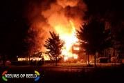 Grote uitslaande brand legt brasserie Het Zonnetje van schoonvader André Hazes jr  volledig in de as Strandweg Zevenhuizen (VIDEO)