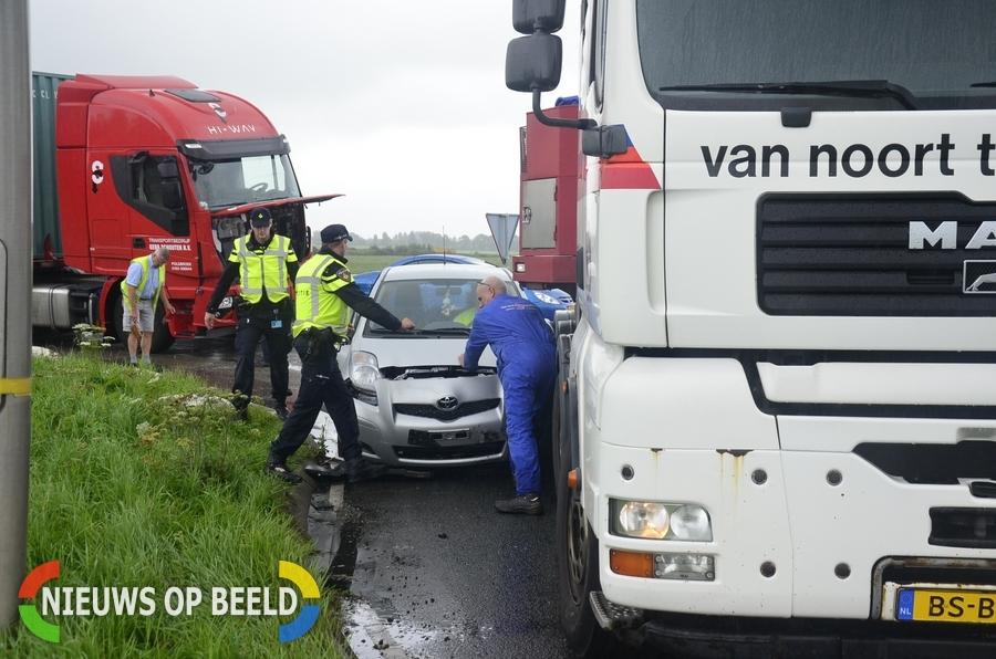 Gewonde na ongeval voor rotonde N207 Moordrecht