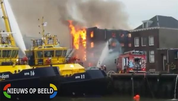 Grote brand in bedrijfspand Oosthavenkade Vlaardingen