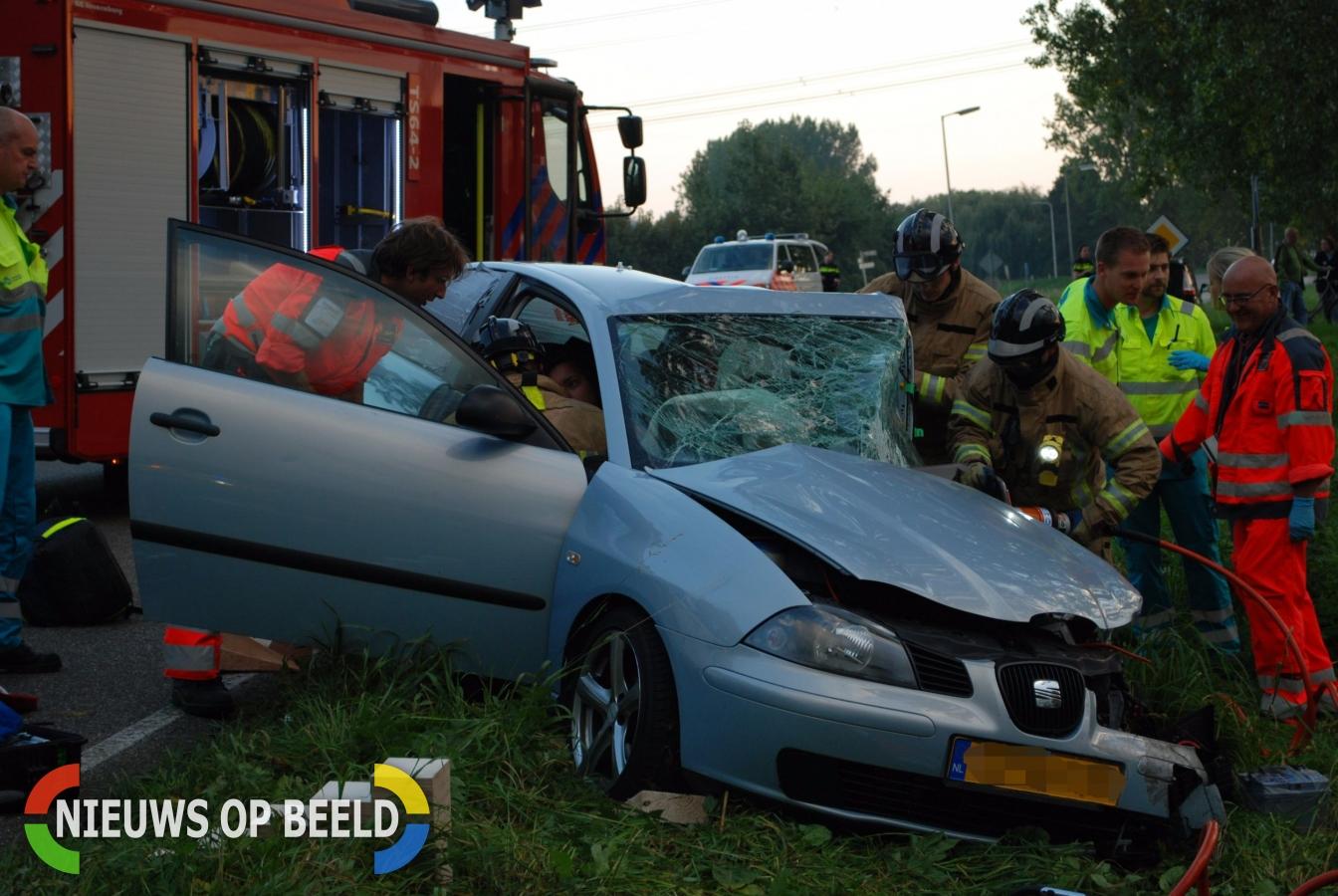 Ongeval tussen personenauto en vrachtwagen Abbenbroek