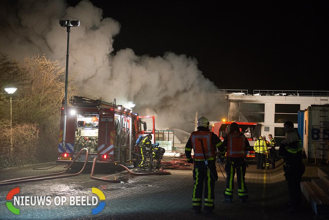 Grote brand op riviercruiseschip De Emerald Belle scheepswerf Hardinxveld-Giessendam