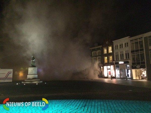 Gebouw stort in op de markt in Den Bosch